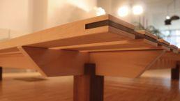 Bett Nomade - Buchenbett mit eingearbeiteter Nussbaum-Leiste